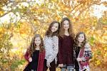 haschak-sisters-543965.jpg